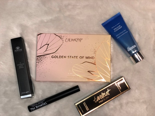 Boxycharm april